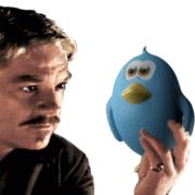 homme hésitant à choisir Twitter