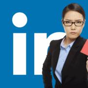 carton rouge sur LinkedIn