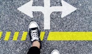 pied d'une personne devant une limite au sol